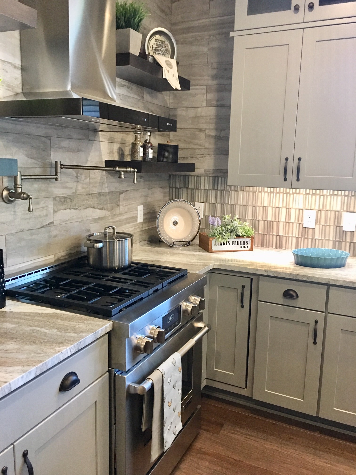 Decorated Kitchen by Interior Designer in St. Catharines
